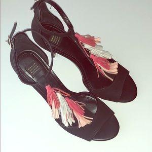 White House Black Market WHBM tassel heels sz 10